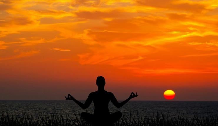 meditating-3478898_960_720